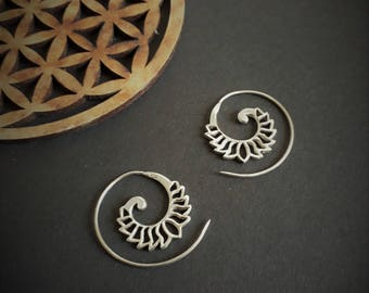 earrings *tiny*
