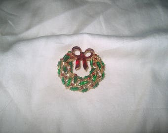 Vintage Costume Jewelry Christmas Wreath Brooch Pin, WAS 8.00 - 50% = 4.00
