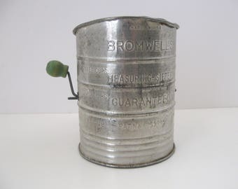 Vintage Bromwell Tin Kitchen Flour Sifter / 3 Cup Flour Sifter with Green Handle / 1950s Farmhouse Decor