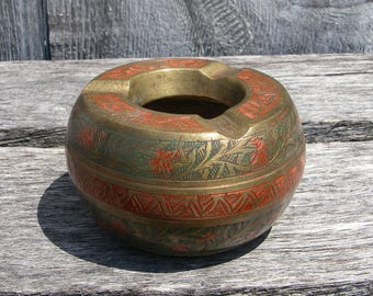 Vintage Brass Ashtray Made in India, Small Round Lacquered Etched Brass Ashtray, India Brass Decor, Vintage Tobacciana, 60's 420 Supplies
