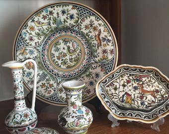 Classic Coimbra majolica, Made in Portugal. Collection of Five (5) Pieces.