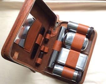 Gentlemans vintage grooming kit by Two Tix, England.