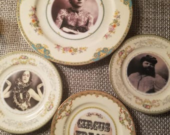 Circus Freaks decorative plates set of 4