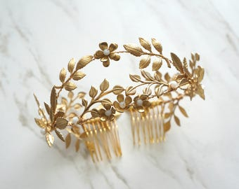 Gold bridal crown, Gold floral headpiece, Gold flower crown, Bridal head piece, Bridal Accessories, Hair Jewelry Gold Wedding Hair Adornment