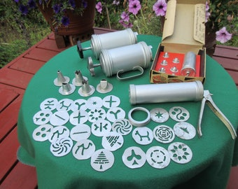 Vintage Mirro Cookie and Pastry Press Decorator Set Cake Decorator and Cooky Press