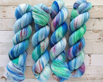 color play - OOAK | akame sock | hand dyed yarn | blue mint speckles | 75/25 SW Merino/Nylon