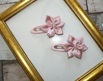 Pair pink flower hair clips