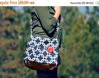 CHRISTMAS SALE Conceal Carry Purse, Medium Messenger Bag, Navy, Conceal Carry Handbag, Concealed Carry Purse, Conceal and Carry, Navy and Wh