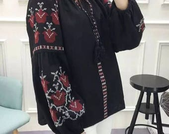 Women top, embroidered cotton boho loose tunic top blouse, vintage Mexican top, free size, white, black, red, blue, Small, Medium
