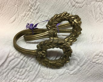 Brass Wreath Curtain Tie Backs, Drape Tiebacks, Holdbacks, Curved TieBacks, Brass Wreath Curtain Tiebacks