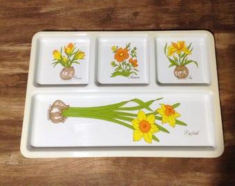 Vintage Serv-It-All Plastic Serving Tray / Flower Design / 1970's / Floral Tray