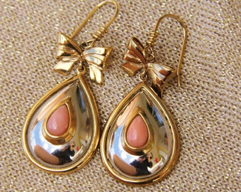Earrings in coral pink, gold plated, steel mounted hand (ref bo8)