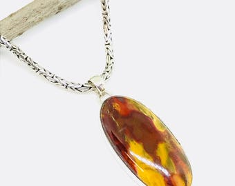 Mookaite pendant, necklaces set in sterling silver 925. Natural authentic mookaite stone. Length- 2.10 inches long.