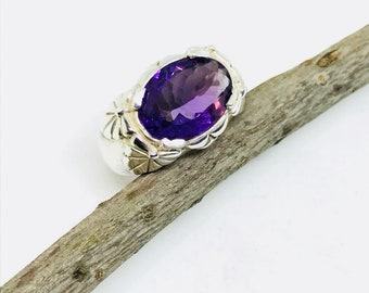 Amethyst ring set in sterling silver 925. Natural authentic stone. Size-7 ring Satisfaction guaranteed .