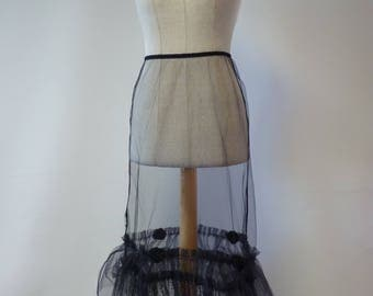 Black petticoat M size. Only one sample.