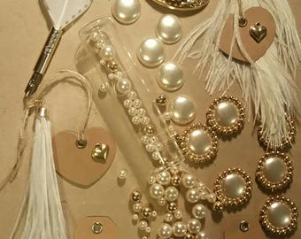 Assortment of 24 customisations for wedding items