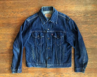 Vintage 1970s LEVIS Dark Indigo Denim Work JEAN JACKET Size Large 42 Lee Wrangler Workwear