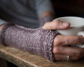 Wool Wrist Warmers. Arm Warmers for Her. Fingerless Gloves. Knitted Arm Warmers. Purple Knit Wrist Warmers. Gift for Her. Gift under 50.