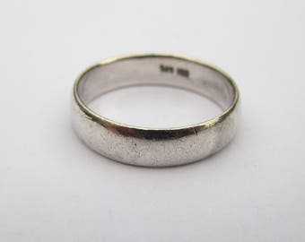 Vintage Plain Sterling Silver Band Ring, with just the 'right' amount of wear!