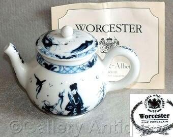 Vintage Victoria & Albert Museum Worcester Miniature Reproduction Teapot from Porcelain Teapot Collection by Franklin Mint 1985 (ref 5030)