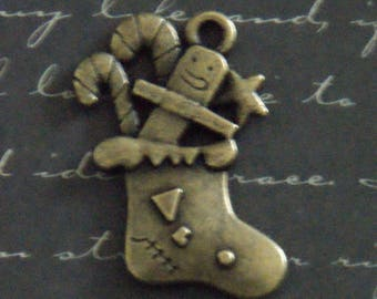 2 large charms stocking bronze 25x29mm