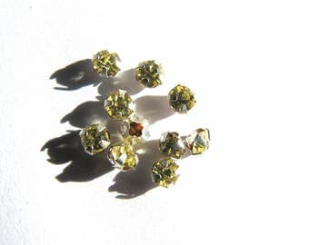 YELLOW DAFFODIL SVARO 3 MM CLAW SILVER RHINESTONE HAS SEWING