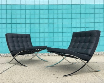 Knoll   Authentic Barcelona Chairs Mies Van Der Rohe   Mid Century pair chair