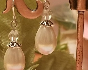 Pearl and crystal earrings, bridal jewelry, prom jewelry, holiday jewelry