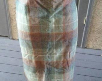 """SALE Vintage 1950s plaid wool Secretary skirt 30"""" waist"""