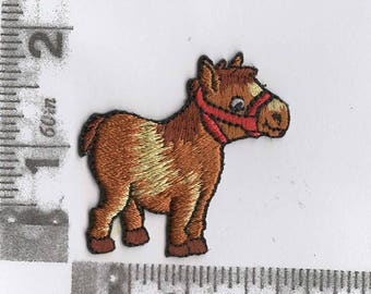 Cute shaggy pony iron on patch
