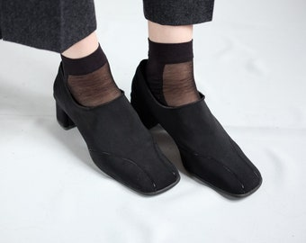 90s textile slip on pumps flat black square toe block heels EU 40 UK 6.5 US 9