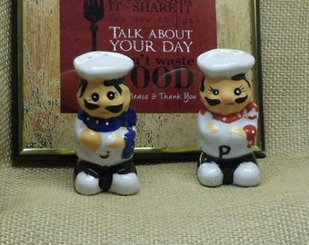 Vintage Chefs Ceramic Salt and Pepper Shakers, White, Blue, Red,NEW LISTING!!!,#VB7238