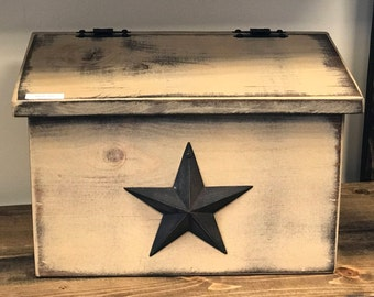 Country Primitive Countertop MailBox with Metal Star