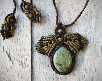 Green Jasper Macrame Necklace