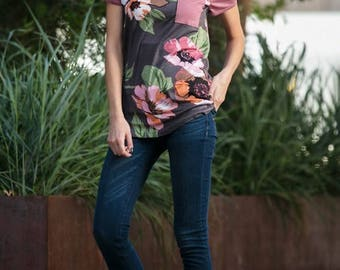 S M L ~ Dusty Rose Floral Pocket Top