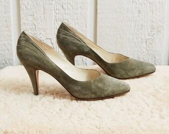 70s Ferdin Olive Green Nubuck Leather Pump Heels • 10.5