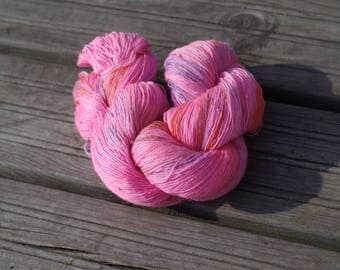 Handdyed variegeted 100% merino yarn Colorway: Pinky 100g/700m 3.5 oz/700y 2ply, lace, soft, warm