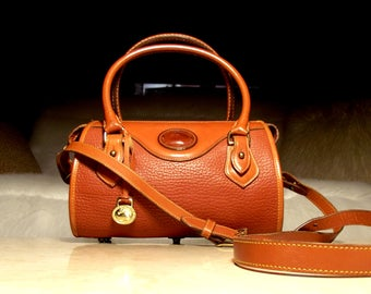 Vintage Dooney & Bourke R710 All Weather Leather British Tan Smaller Doctor Bag Top Handle Crossbody Satchel: Pure Boho Luxe Eye Candy!