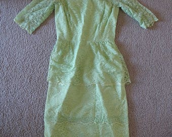 VINTAGE LACE Green Wiggle Dress