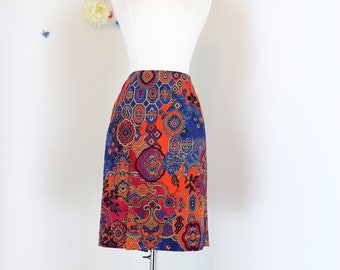 "1990s Skirt - Paisley Pencil Skirt - Bright Bold Graphic Print - Above Knee Skirt - Boho Summer Spring Skirt - 31"" Waist - Size Medium/Large"