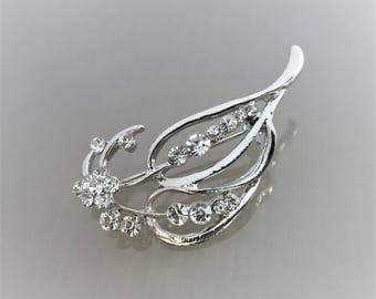 Brooch 5.5 cm leaf with strass