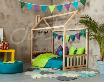 Wood house, baby bed, floor bed, frame bed, toddler bed, house bed, children bed, kid nursery, nursery crib, Montessori furniture WITH SLATS