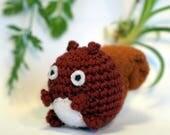 squirrel plushie keychain - crochet amigurumi