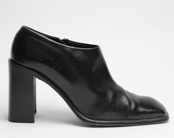 black leather minimalist chunky structural heel shoes US 8