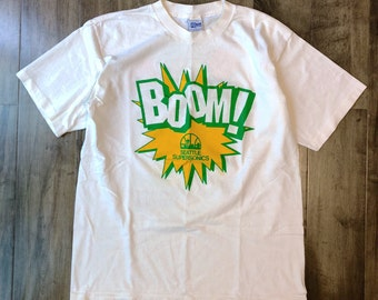 Seattle Supersonics Boom! T-Shirt Size Large Salem Sportswear Made In USA NBA Miller Genuine Draft Sonics Suds Club Vintage Beer Shirt