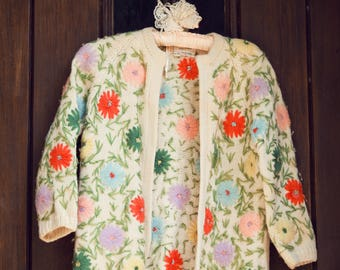 Hand Loomed 1950's Flower Wool Cardigan