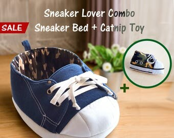 Cat Gift Set, Sneaker Cat Bed, Sneaker Catnip Toy, Camouflage, Cat Condo, Cat Furniture, Cat Cave, Cat Gift, Cat Lover Gift, Cat Bedding