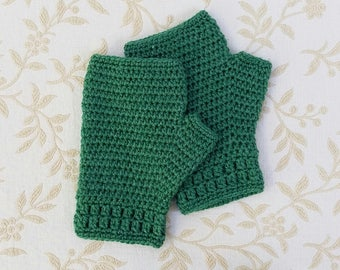 Crochet fingerless gloves in forest green, fingerless mittens, handwarmers, women's gloves, crochet gloves, winter accessory