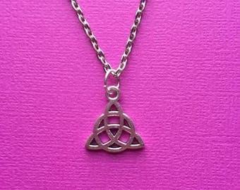 Silver Triquetra Pendant Necklace, Silver Trinity Knot Necklace, Simple Silver Necklace, Scared Geometry, Bohemian, Meditation, Spiritual