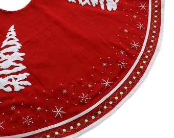 Embroidered white trees and snowflakes tree skirt